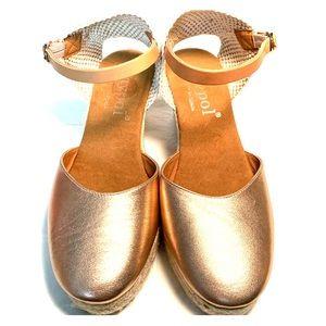 NWOT Maypol Rose Gold Metallic Espadrille Wedges